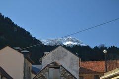 Vistas maravillosas de los Pirineos del pueblo de Bielsa Paisajes, naturaleza, historia, arquitectura 29 de diciembre de 2014 Bie fotografía de archivo