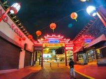Vistas nocturnas agradables de la ciudad en California foto de archivo libre de regalías