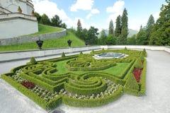 Vistas notáveis do parque bonito perto de um alojamento de caça real Linderkhof imagens de stock royalty free