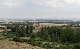 Vistas panorámicas de Loarre, Aragón, Huesca, España encima del pueblo imágenes de archivo libres de regalías
