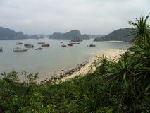 Vistas superiores da praia na ilha do macaco imagens de stock royalty free