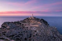 Viste del faro della costa del nord al tramonto fotografie stock
