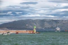 Viste della Croazia Porto sull'isola Hvar Fotografia Stock Libera da Diritti