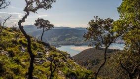Viste della riserva di biosfera di Urdaibai dal punto di vista di San Pedro Atxarre fotografie stock