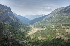 Viste della valle di Saliencia, riserva naturale di Somiedo Fotografia Stock Libera da Diritti