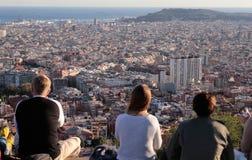 Viste di Barcellona dalle colline turistiche vicine Fotografia Stock