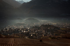 Viste di Sierre e le alpi dal Crans-Montana, Svizzera Fotografia Stock