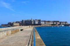 Viste di vecchia città della st-Malo Fotografia Stock