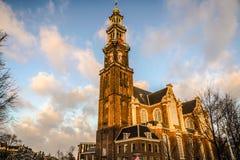 Viste generali del paesaggio in chiesa olandese tradizionale Lasso di tempo Immagini Stock Libere da Diritti