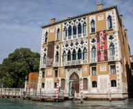 Viste lungo il canale di Venezia fotografia stock