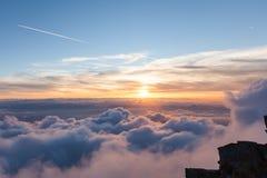 Viste panoramiche delle alpi nel cielo Fotografie Stock