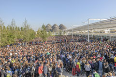 Vistitors crowd queue at entrance, EXPO 2015 Milan Royalty Free Stock Photos