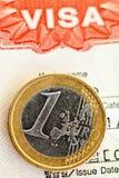 Visto e euro. Imagens de Stock