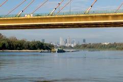 Vistula River och Warszawapanorama Arkivfoto