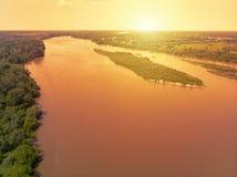 Vistula rzeka blisko Kepa Kielpinska wioski, widok z lotu ptaka zdjęcie royalty free