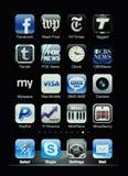 Visualización de Iphone con la colección de apps Imágenes de archivo libres de regalías