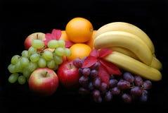 Visualización de la fruta en negro Imagen de archivo