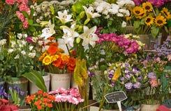 Visualización de la parada de la flor del mercado. fotografía de archivo
