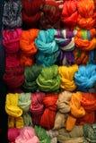Visualización de las bufandas Foto de archivo libre de regalías