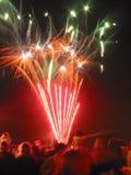 Visualización de los fuegos artificiales Imágenes de archivo libres de regalías