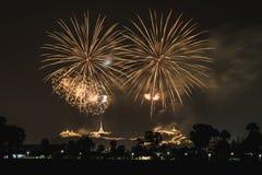 Visualización de los fuegos artificiales Fotografía de archivo