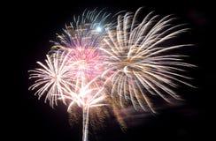 Visualización de los fuegos artificiales Imagen de archivo