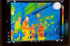 Visualización del termómetro infrarrojo Imágenes de archivo libres de regalías