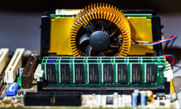 Visualizzazione del dettaglio di mainboard del computer, primo piano Immagine Stock Libera da Diritti
