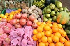 Visualizzazione del fornitore della frutta Fotografia Stock