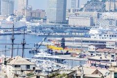 Visualizzazione panoramica del porto di Genova, Italia Immagini Stock