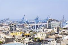Visualizzazione panoramica del porto di Genova, Italia con il Bigo Fotografia Stock