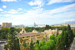 Visualizzazione panoramica del porto di Malaga con il comune a priorità alta, Andalusia, Spagna Immagini Stock