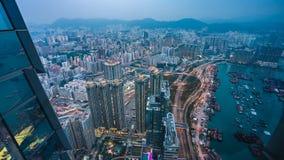 Visualizzazione superiore dello spedizioniere del porto marittimo in Hong Kong immagini stock
