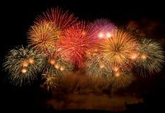 Visualizzazione variopinta del fuoco d'artificio Fotografia Stock