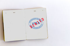 Visum zugelassener Stempel im Pass Stockbild
