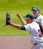 Vitória da celebração dos homens do basebol dos jogos de Canadá Imagens de Stock Royalty Free