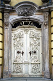 Vit antik barock dörr Royaltyfria Foton