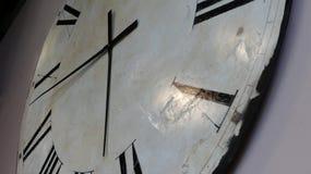 Vit antik klockaframsida Fotografering för Bildbyråer