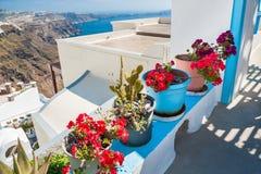 Vit arkitektur på den Santorini ön, Grekland Royaltyfri Fotografi