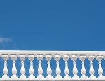 Vit balustradcloseup Arkivfoto