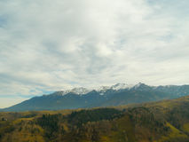 Vit bergsnö på maxima Royaltyfri Foto