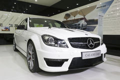 Vit bil för Mercedes-benz c63 amgkupé royaltyfri fotografi