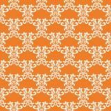 Vit blom- sömlös design på orange bakgrund Royaltyfria Foton