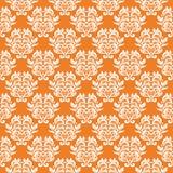 Vit blom- sömlös modell på orange bakgrund Royaltyfria Foton