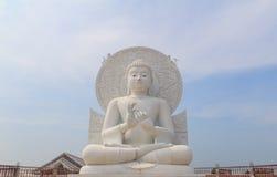 Vit Buddha Arkivbild