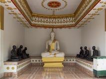 Vit Buddha i det Lopburi landskapet Royaltyfri Bild