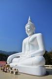 Vit Buddha på Kanchanaburi Thailand Royaltyfri Bild