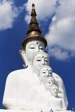 Vit Buddha på Wat Pha Sorn Kaew Thailand Royaltyfria Bilder