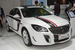 Vit Buick Regal gs bil Fotografering för Bildbyråer