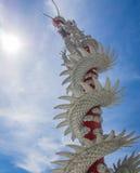 Vit drakestaty Fotografering för Bildbyråer